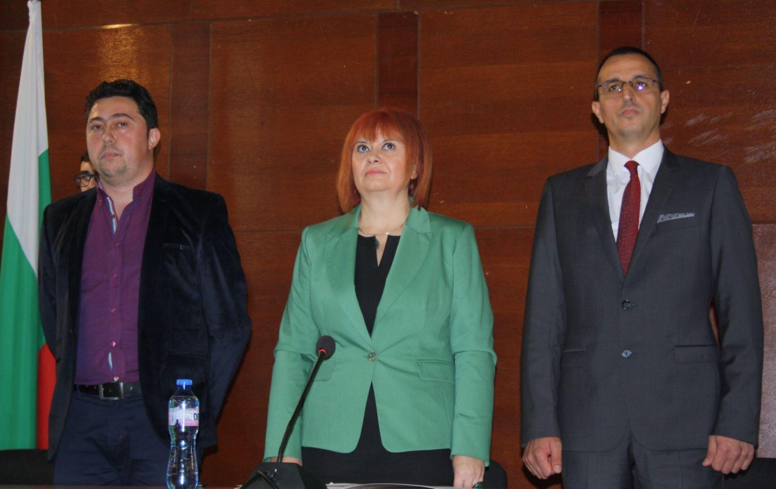 Областният управител Гергана Микова закле кметовете и общинските съветници от община Чирпан