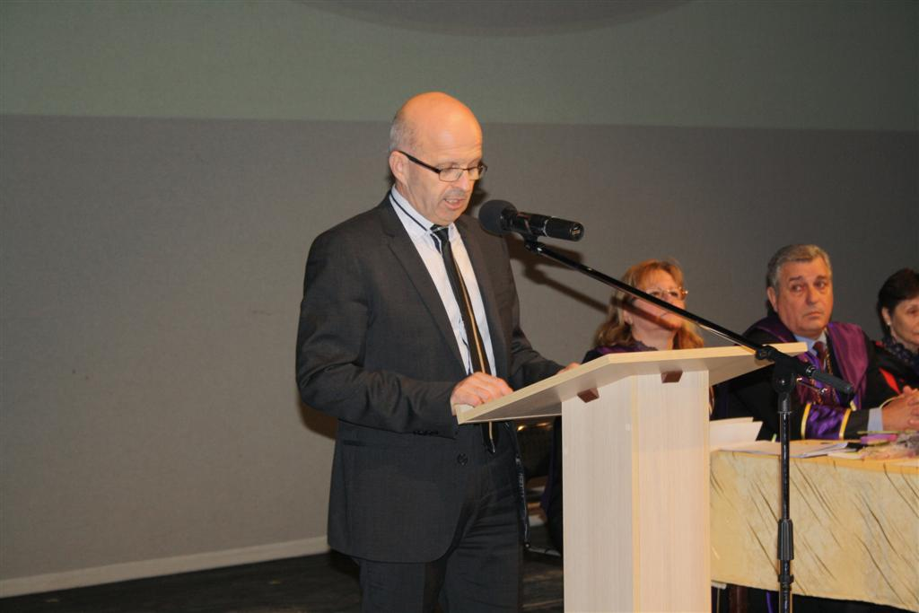 Областният управител инж. Георги Ранов и директорът на дирекция АКРРДС Кремена Бухчева присъстваха на връчването на дипломите на студенти от Стопанския факултет на Тракийския университет