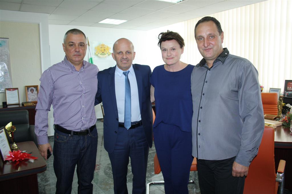 Оперната прима Веселина Кацарова гостува на областния управител инж. Георги Ранов
