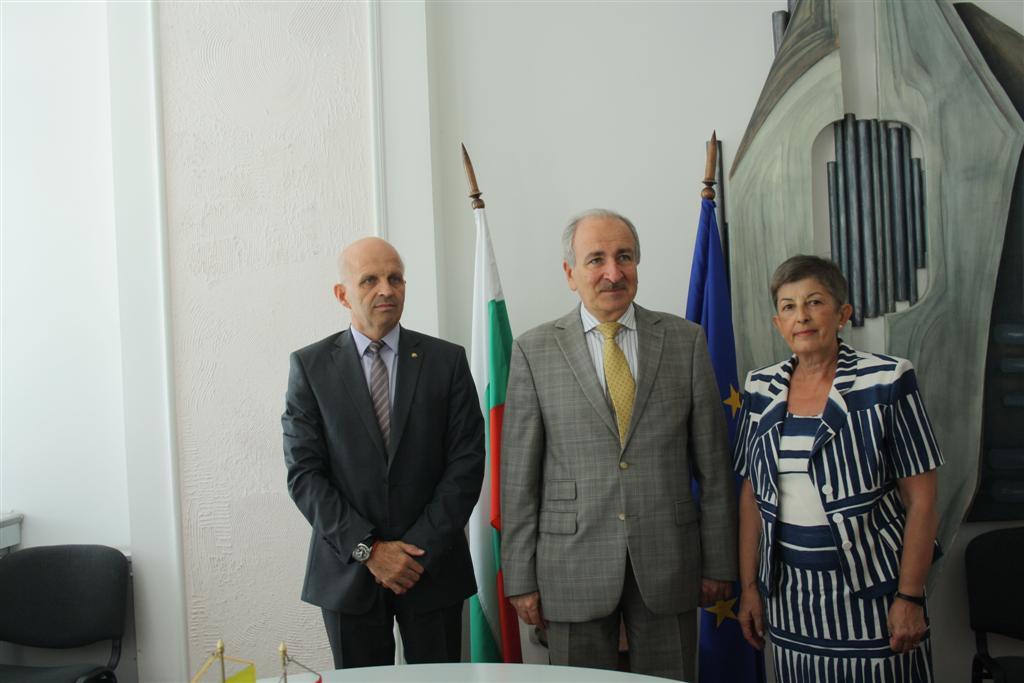 Областният управител инж. Георги Ранов прие на работно посещение посланик Микола Балтажи