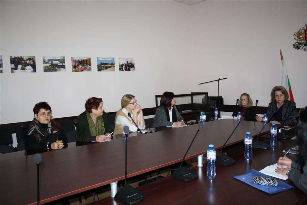 """Заместник областният управител Мариана Кръстева организира среща за представяне на проект """"Неутъпкани пътеки до отворени врати"""""""