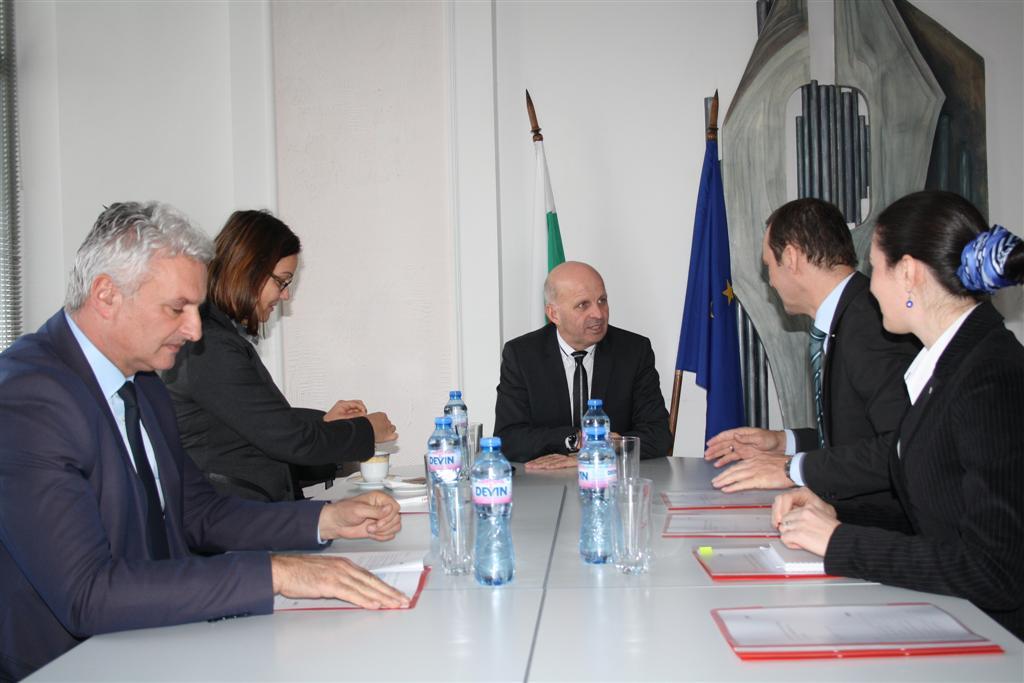 Областният управител инж. Георги Ранов се срещна с председателя на УС на EVN България Робърт Дик